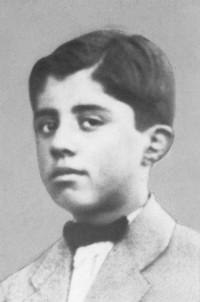 Энвер Ходжа - ученик Французского лицея города Гирокастры (1923-1924).