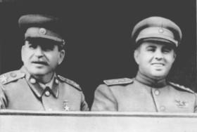 Иосиф Сталин и Энвер Ходжа на Центральном стадионе Москвы. Июль 1947г.