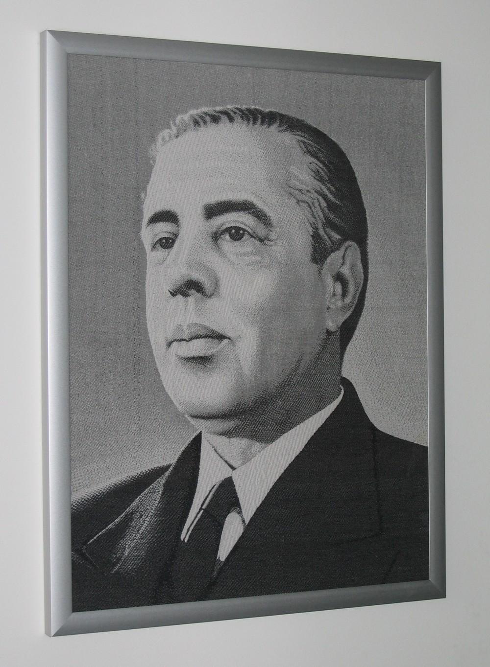 Портрет вышивка на ткани